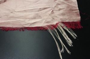 怎么判断面料是色织还是染色?